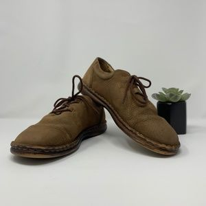 Born Sand Pebbled Leather Casual Tie Loafer